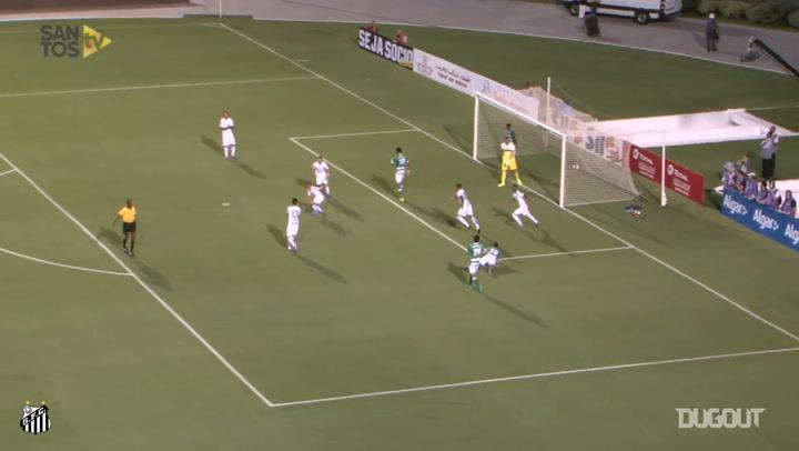 Vladimir Hernández's stunning overhead kick vs Kenitra