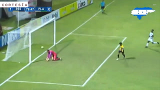 De lanzamiento penal Real España vence a Platense en el Morazán