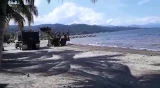 Realizan limpieza en las playas de Omoa de toda la basura que arrastra el Río Motagua