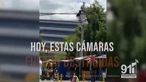 Presuntos manifestantes dañan cámaras en las afueras de la Unah