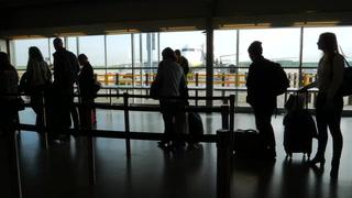 Passengers Discuss Allegiant Air