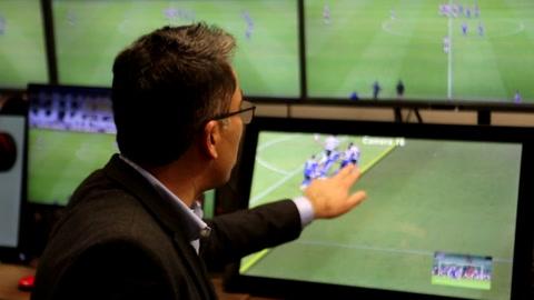 El VAR no se va a ir del fútbol. Vamos a tener que adaptarnos, manifiesta la Conmebol