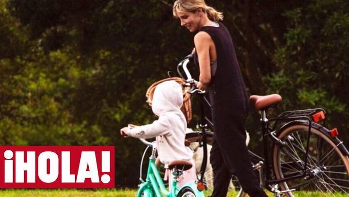 ¡Al cole en bici! Así empieza Elsa Pataky el día con su hija India
