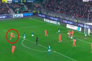 Sin dejarla caer, bombazo y adentro: espectacular golazo de Paredes con el PSG