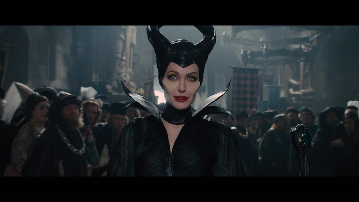 'Maleficent' Preview - Awkward Situation