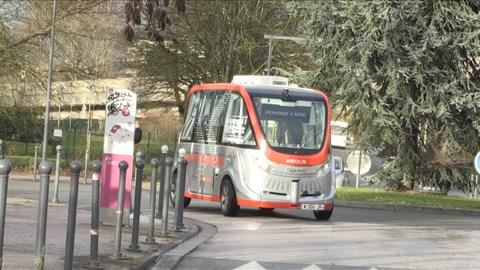 Francia lanza un autobús