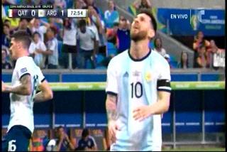 Terrible fallo de Messi frente a la portería en el Argentina-Qatar