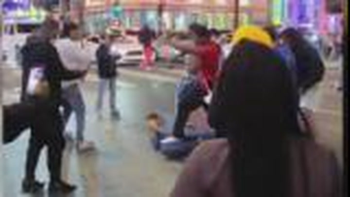 Mob attacks man in Hollywood for disagreeing with street preacher