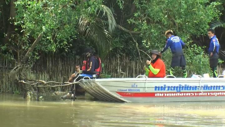 กู้ภัยฉะเชิงเทรา ลุยจับจระเข้แม่น้ำบางปะกง หลังพบแหล่งกบดาน