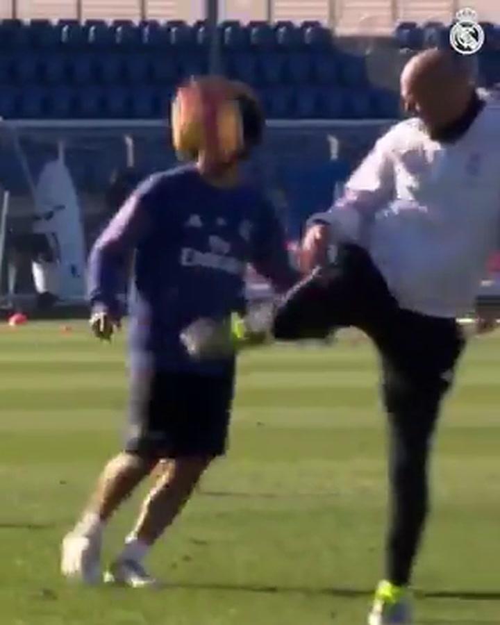 Marcelo y Zidane, ¡el que tuvo, retuvo!
