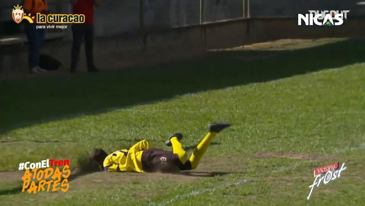 Luis Acuña's great half-volley goal