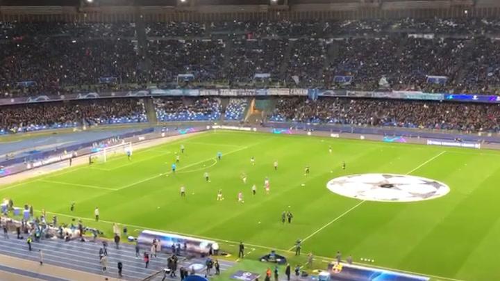 El Nápoles ya está listo para el partido ante el Barça