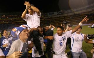 Rueda inició su proceso en la Bicolor con victoria ante El Salvador.