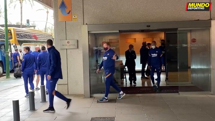 El Barça sale del hotel para la sesión de activación a pocas horas de la final de Copa