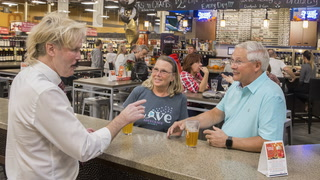 Las Vegas supermarket has a full-service wine and beer bar – VIDEO