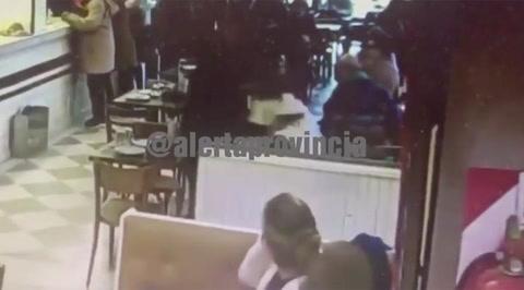 Asaltan y le roban seis mil dólares en una pizzería de Palermo