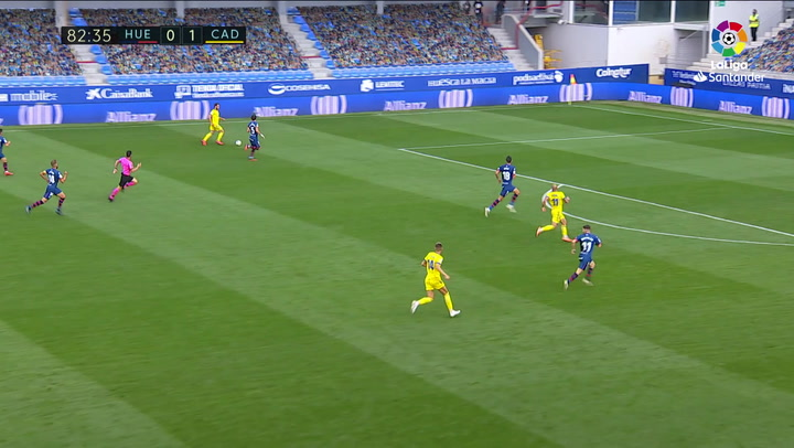Gol de Pombo (0-2) en el Huesca 0-2 Cádiz