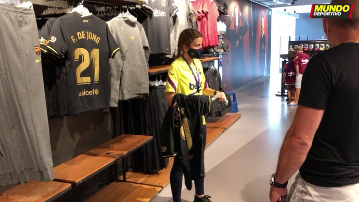La nueva segunda equipación del Barça 2020-2021 ya está a la venta en la Botiga