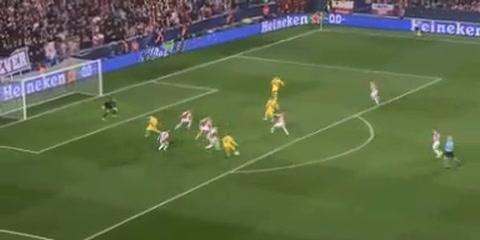 Leo Messi anotó para el Barcelona en el duelo ante el Slavia Praha