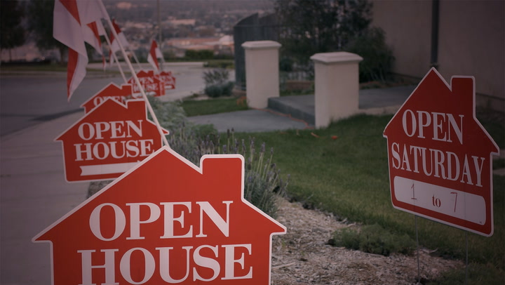 Keep Your Eyes Peeled at the Open House for These Red Flags