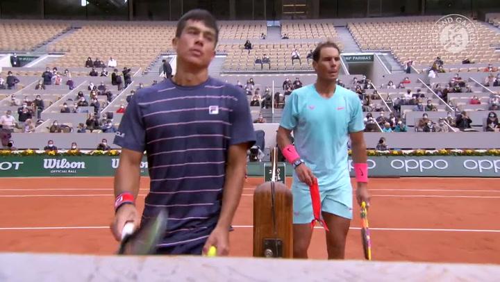 Rafa Nadal mejora y atropella a McDonald hacia tercera ronda