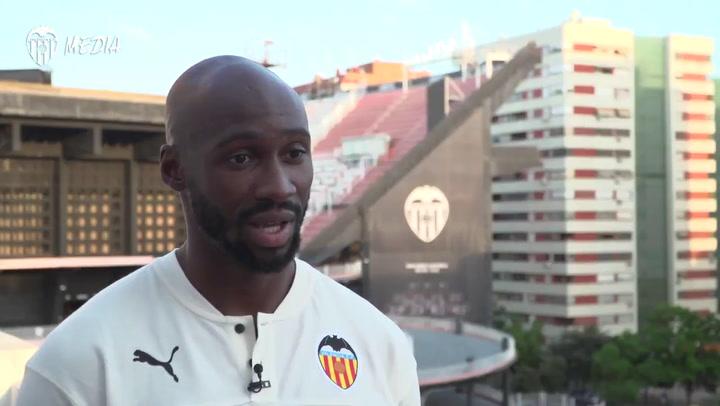 Mangala ya es nuevo jugador del Valencia