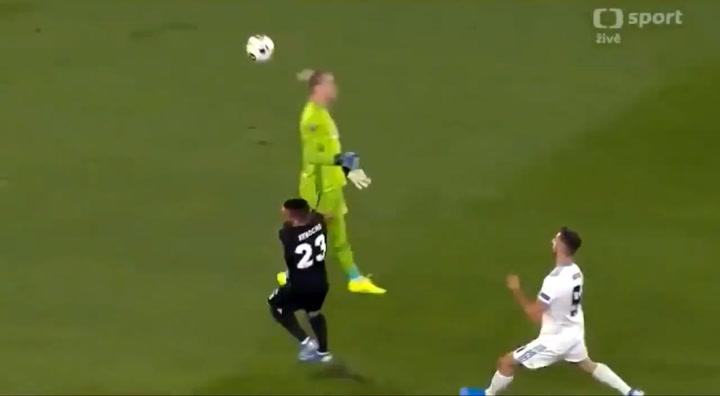 Europa League: Slovan Bratislava-Besiktas: Karius vuelve a cometer un error descomunal