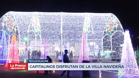 Capitalinos disfrutan de la villa navideña