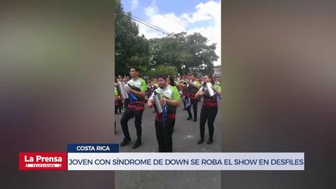 Joven con síndrome de down se roba el show en desfiles patrios