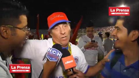 Pedro Troglio rompe en llanto tras coronarse campeonísimo con el Olimpia en Honduras
