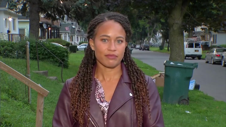 Reporter calmly deals with racist and sexist abuse moments before live TV hit