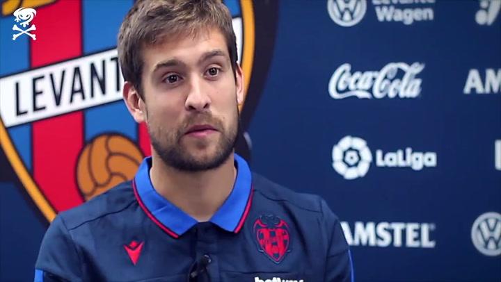 El meta Aitor Fernández renueva con el Levante hasta 2023