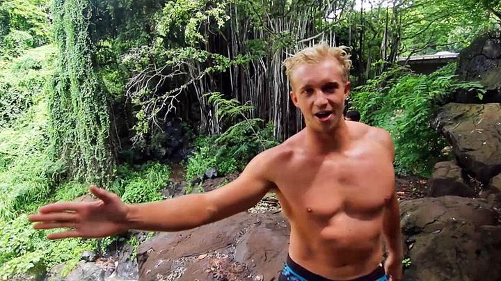 Shane (24) brakk 14 ribbein da han tok salto fra klippekant