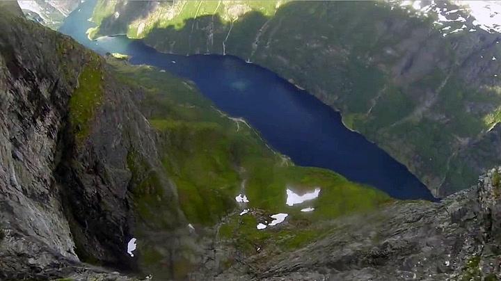 Her suser han ned i den norske verdensarven
