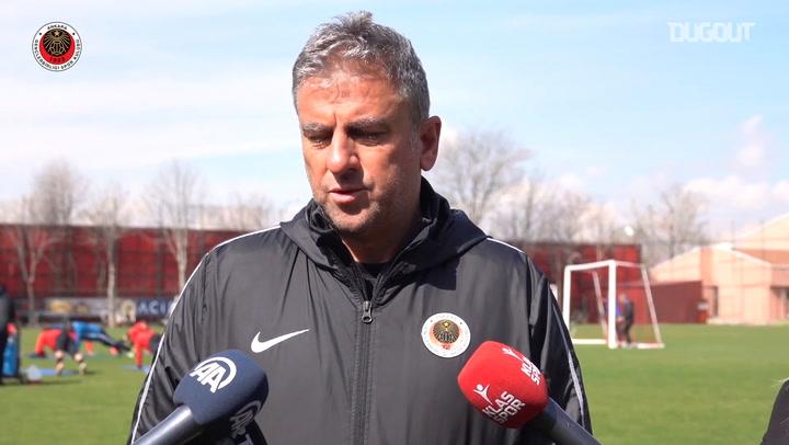 """Teknik Direktör Hamza Hamzaoğlu: """"VAR Hakemleri Kendini Maçın Hakemi Olarak Görebiliyor."""""""