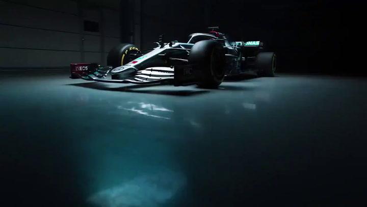 Mercedes se pasa del plata al negro en la vuelta al Mundial F1