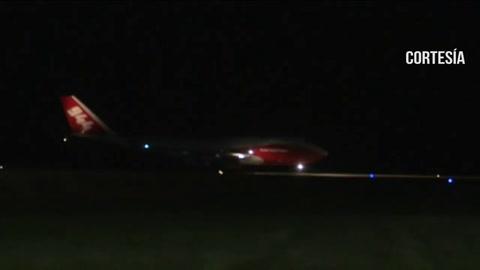 Avión cisterna SuperTanker inicia combate contra incendios en Bolivia