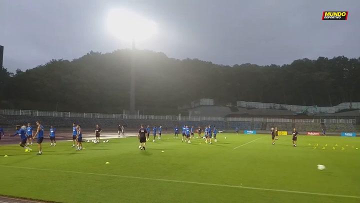 Primer entrenamiento del Barça en Japón