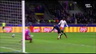 Atalanta golea al Valencia y pone un pie en cuartos de final de Champions League