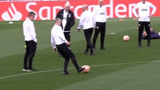 Se Solskjær leke seg på Camp Nou