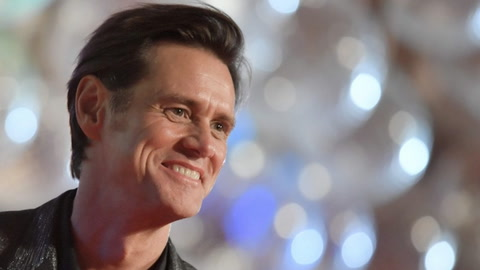 Carrey Under Fire  for Sanders Portrait