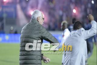 Captan agresión de Manuel Keosseián a animador de la final