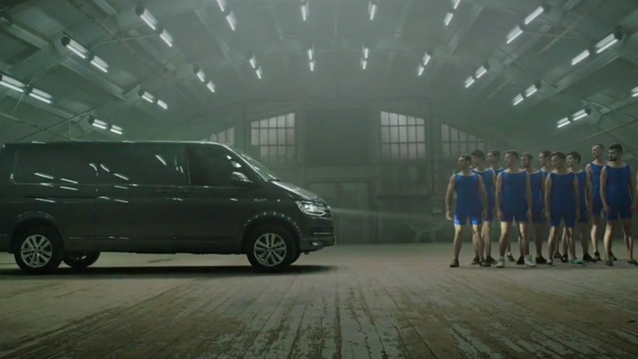 VW - TRANSPORTER VS GYMNASTS