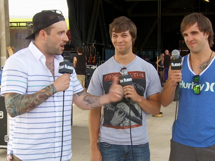 Festivals: Warped Tour: 2013:  August Burns Mosh Pit Do's and Don'ts