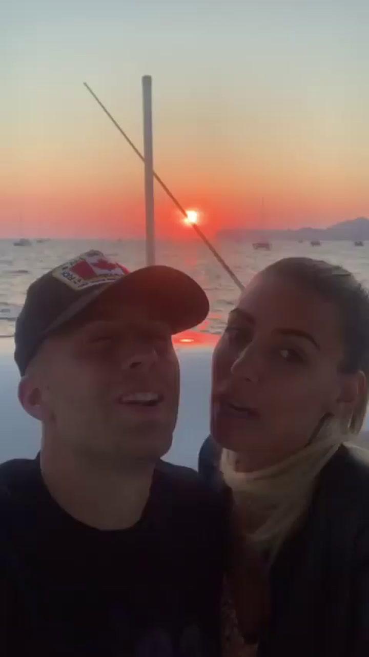Las románticas vacaciones de Deulofeu y María Casas