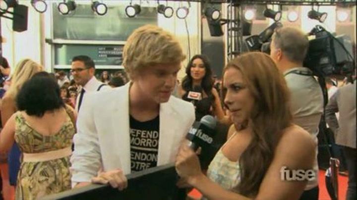Cody Simpson on the Red Carpet - MMVA Extra