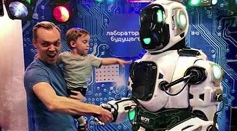 Un falso robot engañó al público de un programa ruso