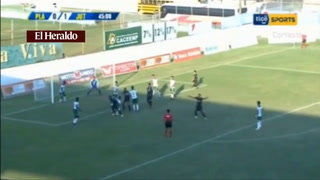 Estupiñan anota el 1 - 0 para Juticalpa ante Platense en el estadio Excélsior