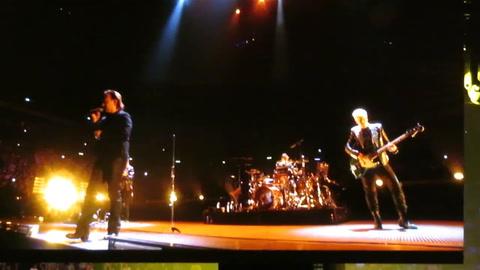 Bono perdió la voz en pleno concierto de U2