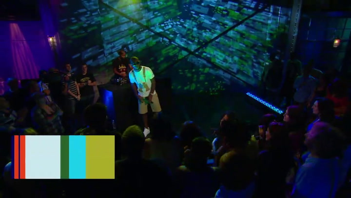 """Tinie Tempah Performs """"Till I'm Gone"""""""